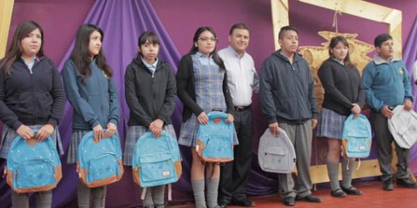 entrega_mochilas_esmeralda