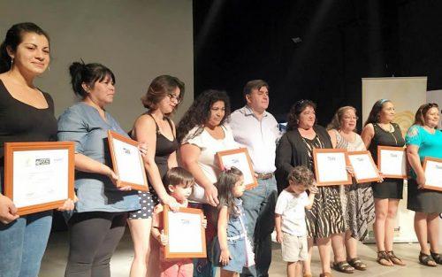 201 emprendedores de Colina se capacitaron en rubros de alimentación, gestión de negocios y estética