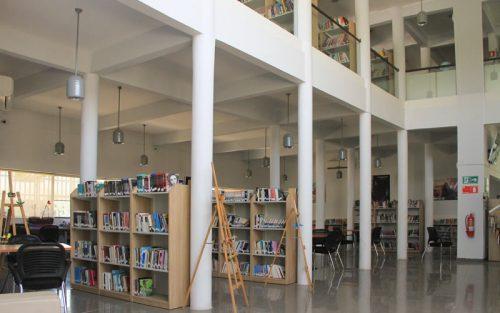 BIBLIOTECA CENTRO LECTOR DE COLINA INAUGURÓ MUESTRA PICTÓRICA Y DE ARTE DE TODOS SUS TALLERES