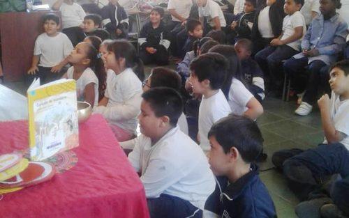 Centro Lector de Colina realizó visita a escuela Marcos Gooycolea