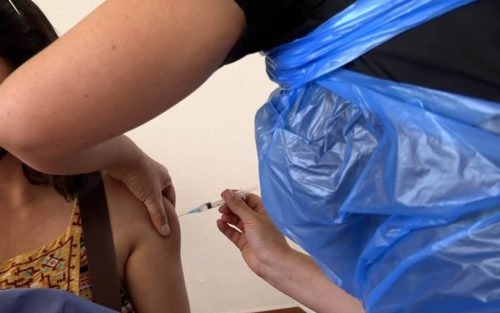 Continúa la campaña de vacunación masiva contra el coronavirus en Colina